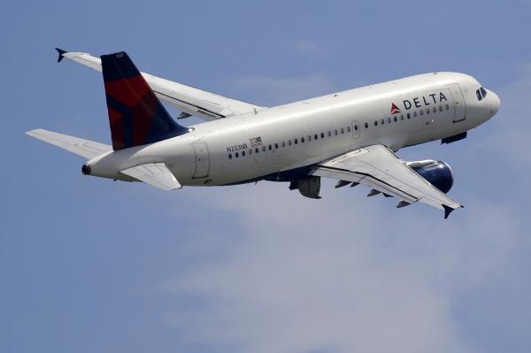 Delta to offer free in-flight messaging on all flights