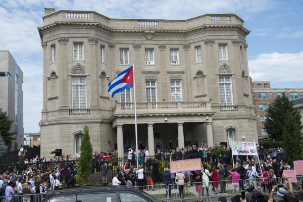 US Gives 15 Cuban Diplomats One Week to Leave Embassy in DC
