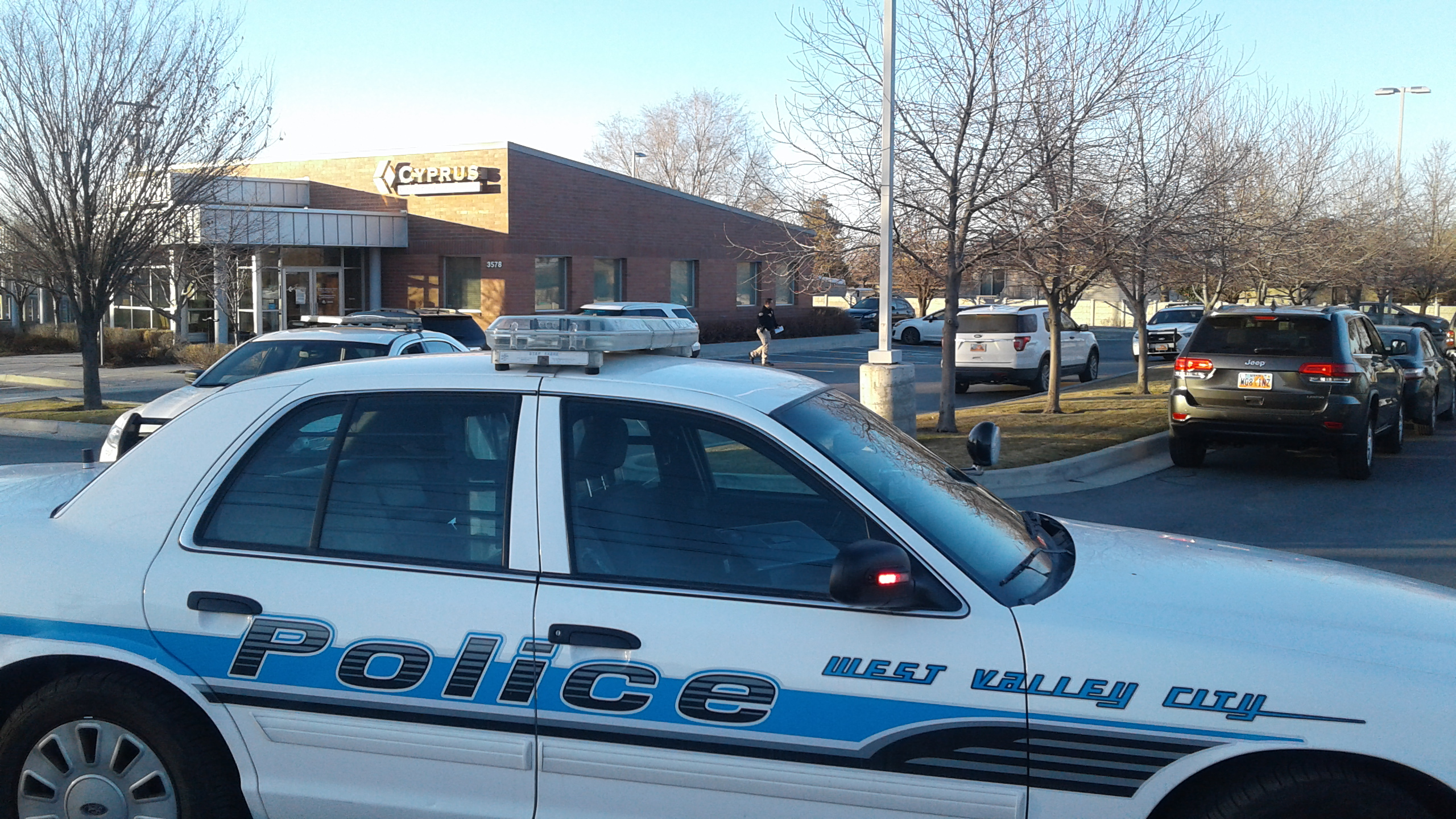 Credit union robbed in West Valley City