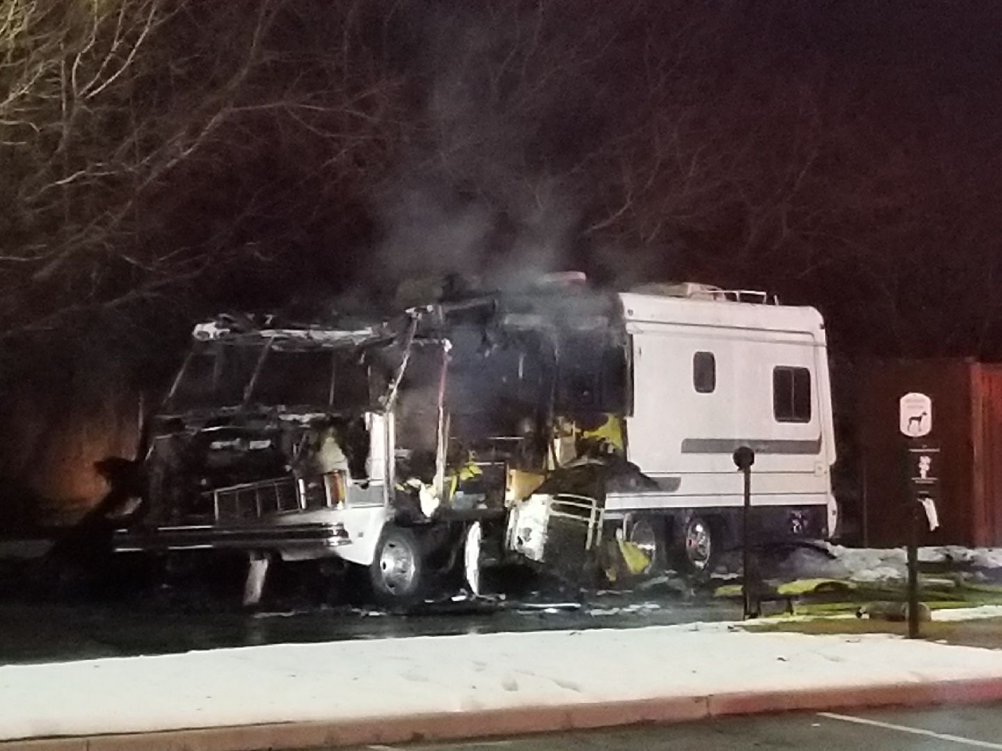 Motor home 39 a total loss 39 after catching fire in west for Motor city casino parking