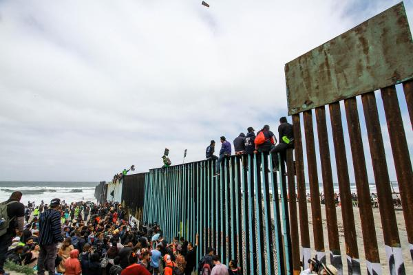 Catch and Release: Caravan Asylum Seekers Closer to Living Freely In US