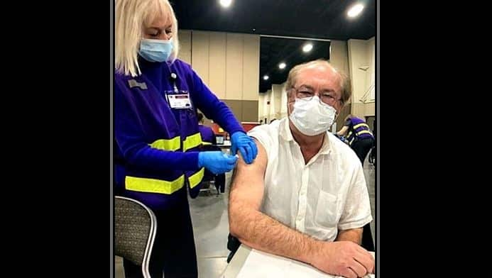 Gephardt Gets Vaccinated